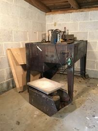 Stone Cutting Machine and Boxed Rocking Tool https://ctbids.com/#!/description/share/53428