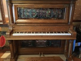 ANTIQUE PLAYER PIANO BEAUTIFUL CONDITION!