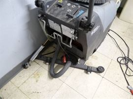 Advance Micromatic Floor Cleaning Machine 17B Mode ....