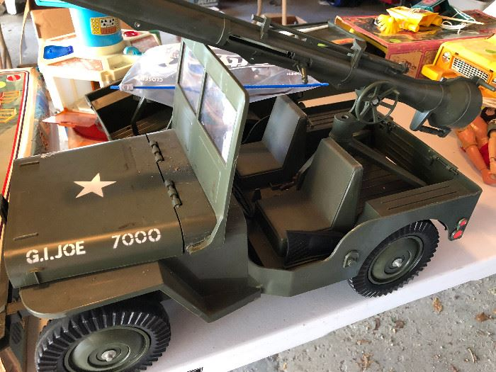 Vintage 1965 GI Joe official Jeep 7000 Combat Set with Extras