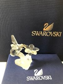 Swarovski bumble bee with flower