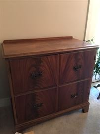 Server by Luce Furniture (matching Buffet also available)