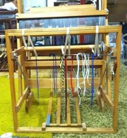 "Harrisville Designs 22"" 4 harness floor loom"