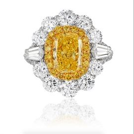 LOT886 Fancy Intense Yellow Diamond RingGIA