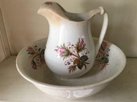Olivette pitcher and wash bowl