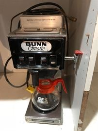 Bunn automatic 2 pot coffee maker