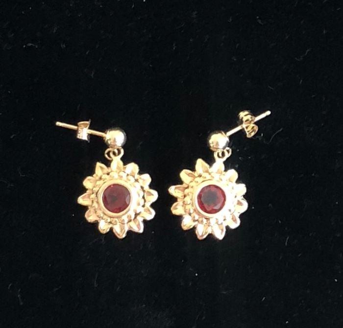 Lovely 14kt Yellow Gold and Garnet Earrings
