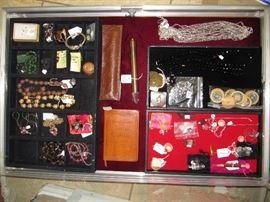 Murano glass beads, pendulums/hypnotist, more!