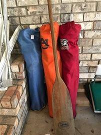 bag chairs, oar