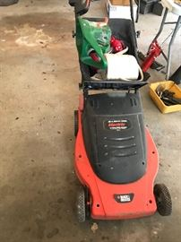 electric lawnmower, works all the way!
