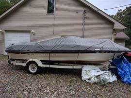 2000 BAYLINER Capri 21' with trailer - as is - has flooring issues