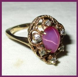 Stunning 14K Gold and Star Ruby Cabochon Ring