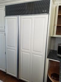 Sub-Zero refrigerator model 532
