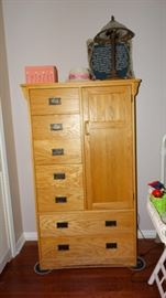 PINE FINISH MODERN COMBINATION CABINET AND DRAWERS.
