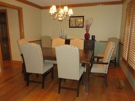 DINING TABLE (NEVER USED) CAMELBACK DINING CHAIRS (SET OF 8) NAILHEAD TRIM