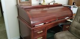 Handy and fabulous roll top desk