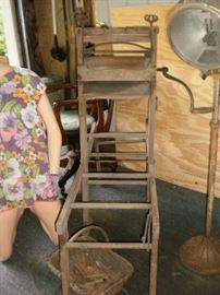 Antique wringer wash stand.  All parts in good condition.