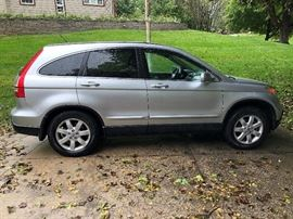 2009 Honda CRV EXL - Less than 20,00 miles!