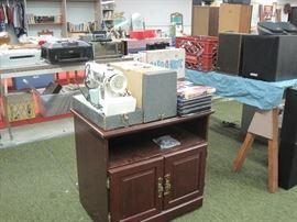 stand & sewing machine