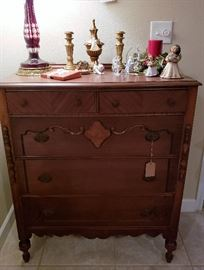1930-1940's chest of drawers