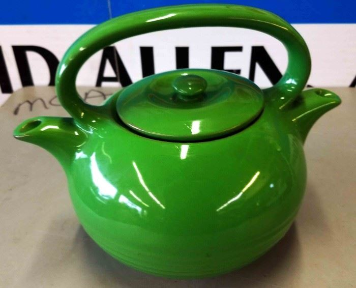Unique 2-Spout Pot