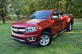 2016 Chevy Colorado LT Extended Cab pickup with 29,600 miles, leather seats, towing package, tons of extras!