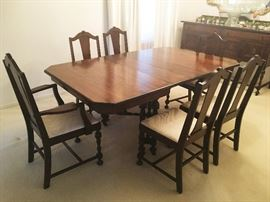 FABULOUS ANTIQUE FORMAL DINING TABLE WITH 6 CHAIRS