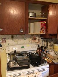 Cookware, bakeware, Tupperware