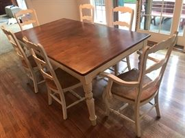 French Country Style dining table w/ 6 chairs and one leaf