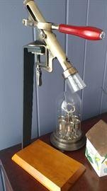 Table top wine opener