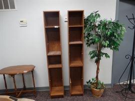 2 shelf units