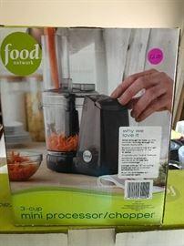 Food Network-3-cup mini processor/chopper! $12.00