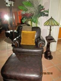 Occasion chair/ottoman