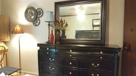 Black dresser w mirror