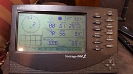 Davis Instruments Vantage Pro 2 weather station. Professional weather on location!