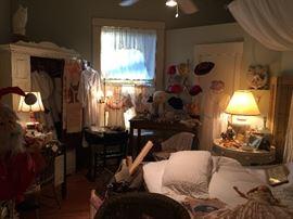 The Shabby Room vintage hats, gloves, purses, hankies, clothing, linens,