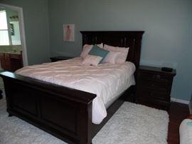 Dark wood Queen size bedroom set