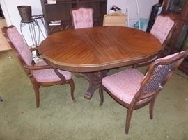 dining table / 4 cane back chairs