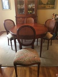 Davis Cabinet Furniture Company Dining room table and chairs
