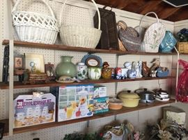 Baskets, vases, storage containers, smoothie maker, pots & pans, figurines.