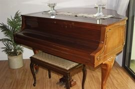 Zimmermann BabyGrand piano.
