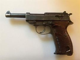 RARE GERMAN  WALTHER P38 9MM PISTOL FROM 1942. HAS ALL MATCHING NUMBERS.