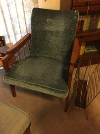 Vintage chair---excellent condition!