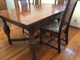 1930s - 40s Tiger Oak Draw-Leaf  Dining Table