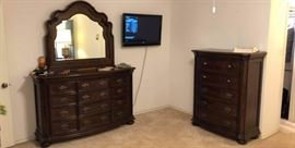 Wynwood Furniture dresser and chest of drawers