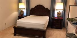 Wynwood Furniture queen bed and night stands