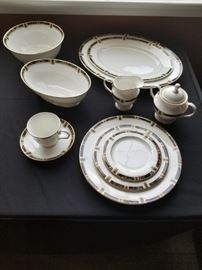 Lenox Classic Modern.  8 / 5piece place settings + cream and sugar + 2 serving platters + 2 serving bowls.  PRICED TO SELL!  Mint condition