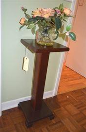 oak fern stand