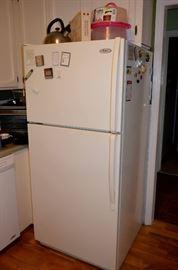 Whirpool Refrigerator with ice maker