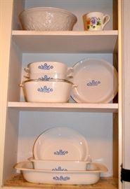 "Corning ""Cornflower"" casserole dishes & pie plates"